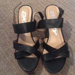 DKNY 8.5 wedge black sandals new